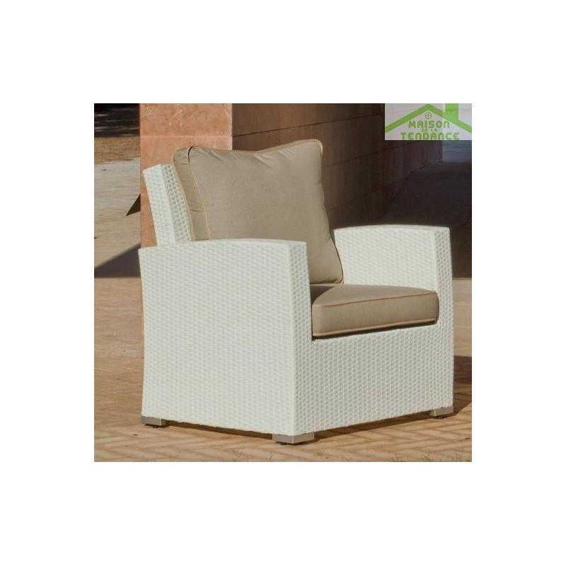 Salon de jardin avec table basse canap 3 places 2 for Canape avec fauteuil
