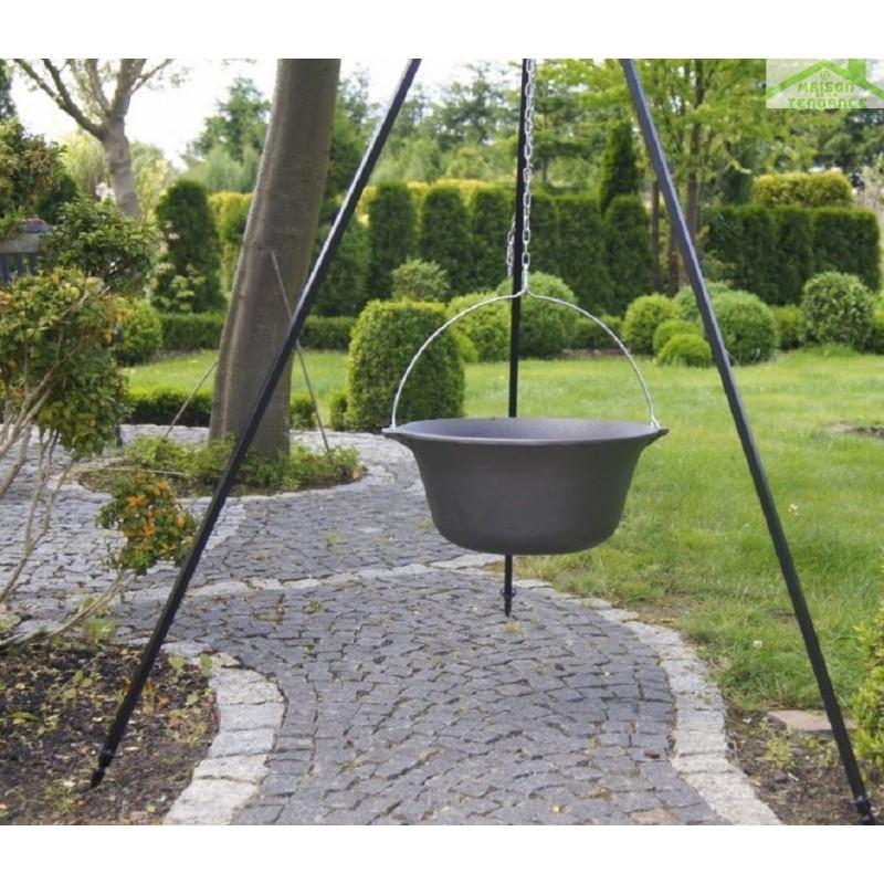 chaudron pot en fonte avec couvercle sur tr pied brasero tana maison de la tendance. Black Bedroom Furniture Sets. Home Design Ideas