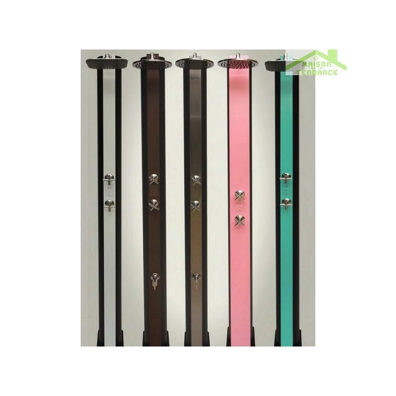 douche de piscine solaire douche ext rieure 40l coloris au choix maison de la tendance. Black Bedroom Furniture Sets. Home Design Ideas