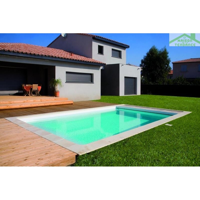 Piscine coque polyester taurus for Piscine polyester