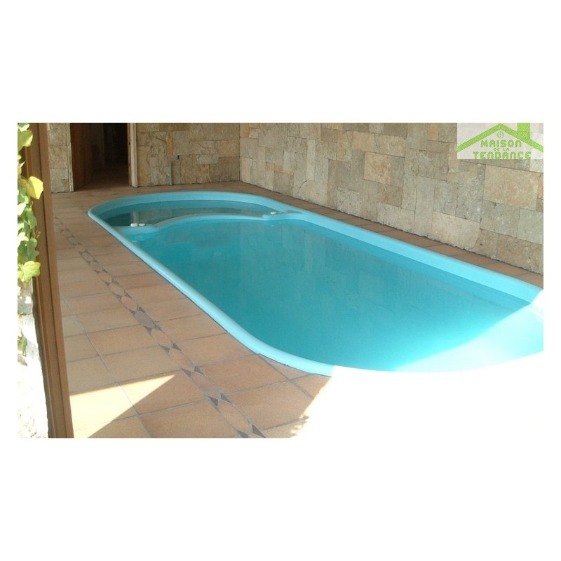 Piscine coque polyester hydra for Piscine coque polyester