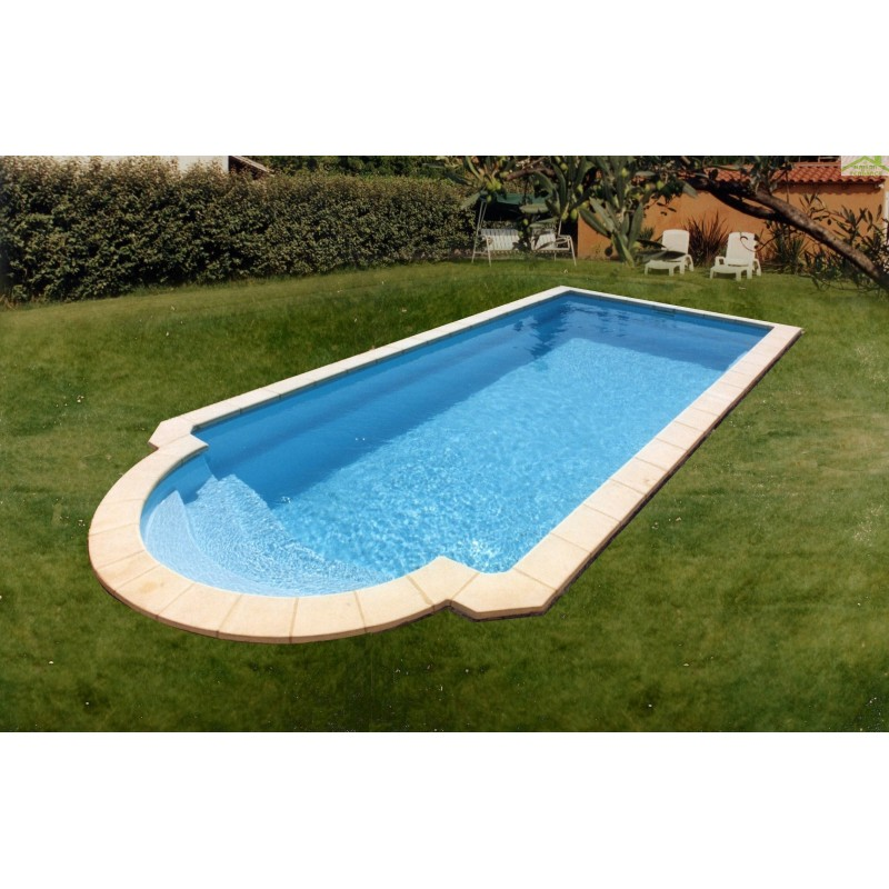 Piscine coque polyester rome for Coque polyester