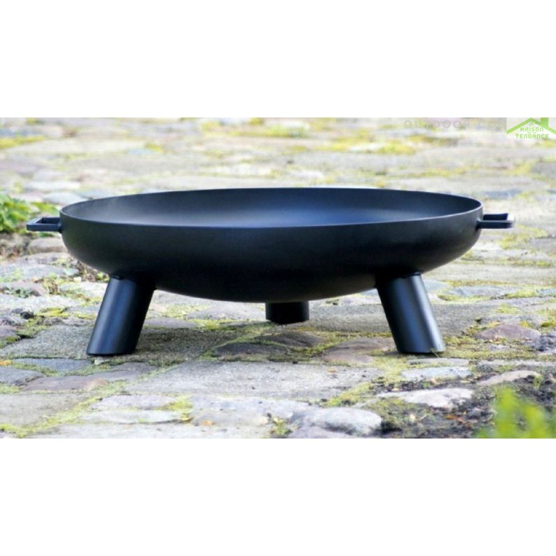 grille en acier noir sur tr pied brasero de jardin bali maison de la tendance. Black Bedroom Furniture Sets. Home Design Ideas