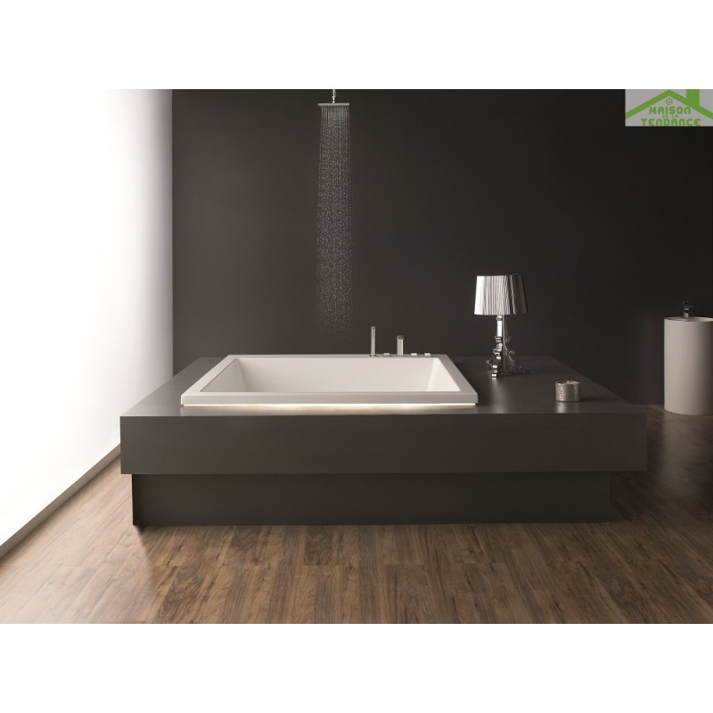 baignoire en acrylique lucite carr e baln o 6 jets princess 165x165x57 cm. Black Bedroom Furniture Sets. Home Design Ideas