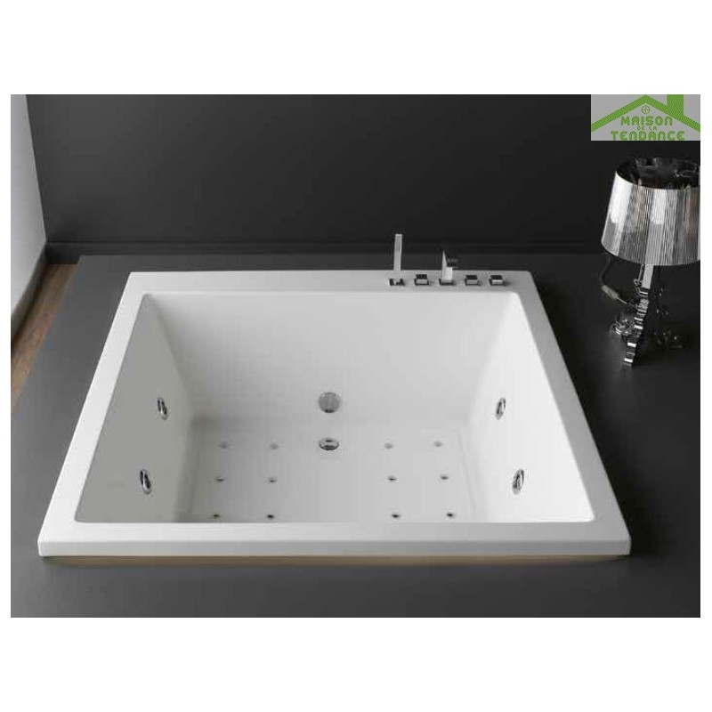 Baignoire en acrylique lucite carr e baln o 6 jets princess 165x165x57 cm - Accessoire baignoire balneo ...