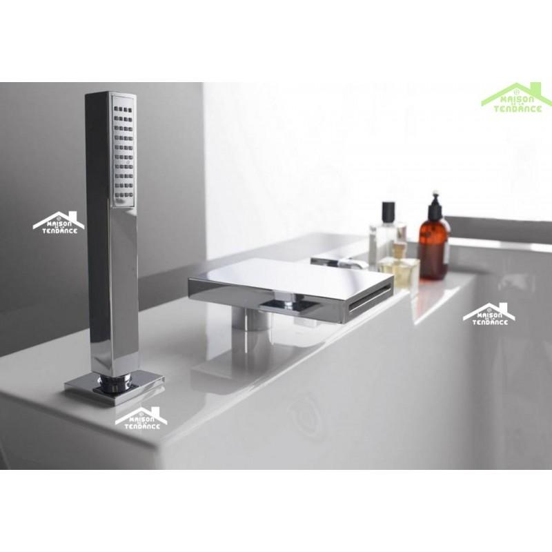 baignoire en acrylique lucite rectangulaire baln o 6 jets queen 215x165x58 cm. Black Bedroom Furniture Sets. Home Design Ideas