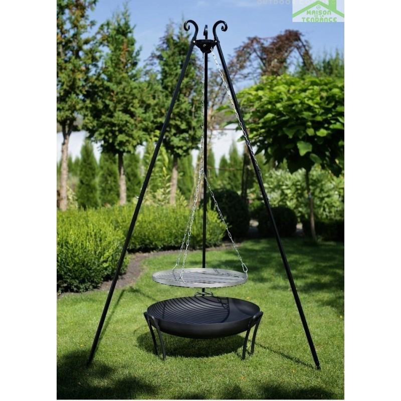 grille en inoxydable sur tr pied brasero de jardin pan. Black Bedroom Furniture Sets. Home Design Ideas